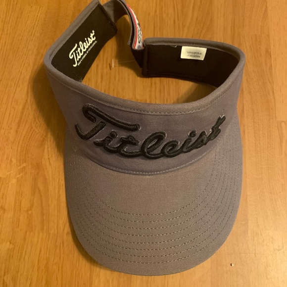 Titleist Tour Performance Visor NWOT